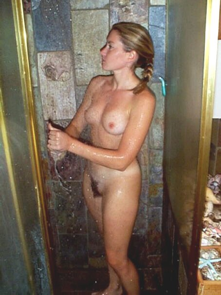 best sexy naked girl to jerk off to